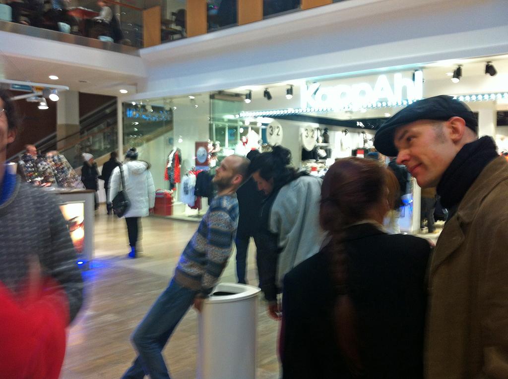 SKÄLVA exploring shopping malls_03