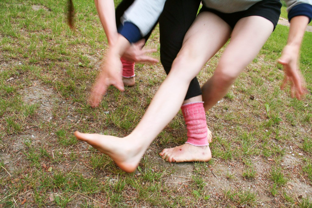 Contact improvisation duet by Ulrika Berge and Jenny Simm_2